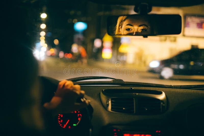 Conduite de nuit photo libre de droits