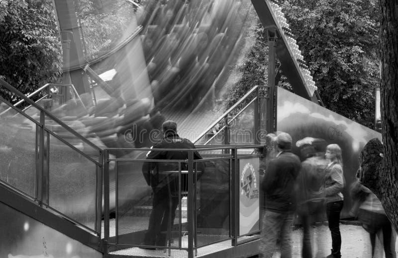 Conduite de parc d'attractions photographie stock