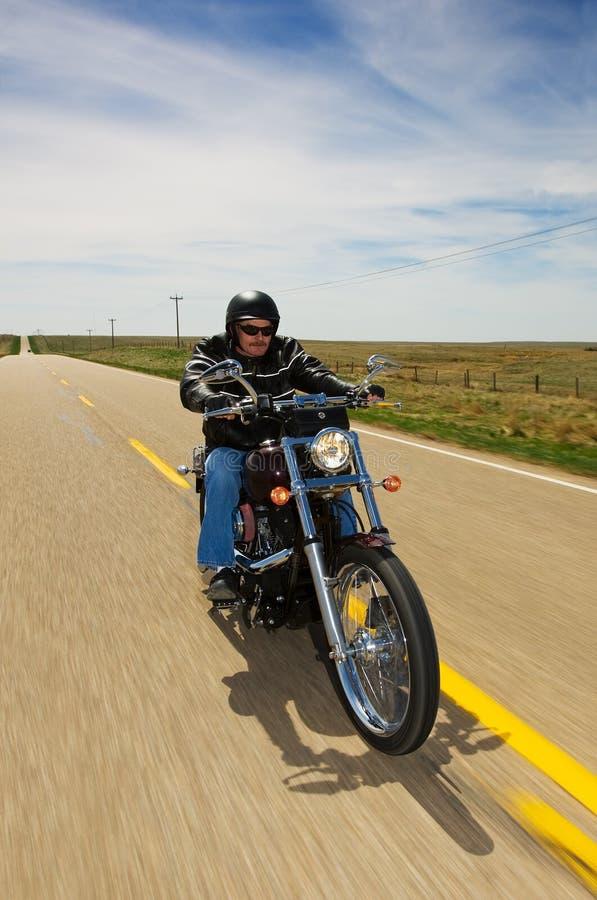 Conduite de vélo photographie stock libre de droits