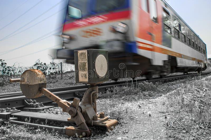 Condurre treno  immagine stock