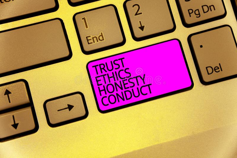 Conduta da honestidade das éticas da confiança do texto da escrita O significado do conceito conota o teclado positivo e virtuoso fotografia de stock royalty free