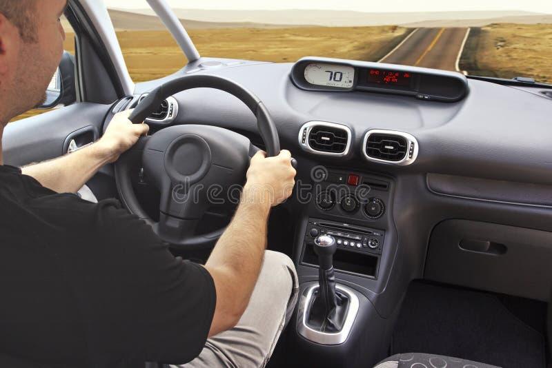 Conduza em um deserto imagens de stock