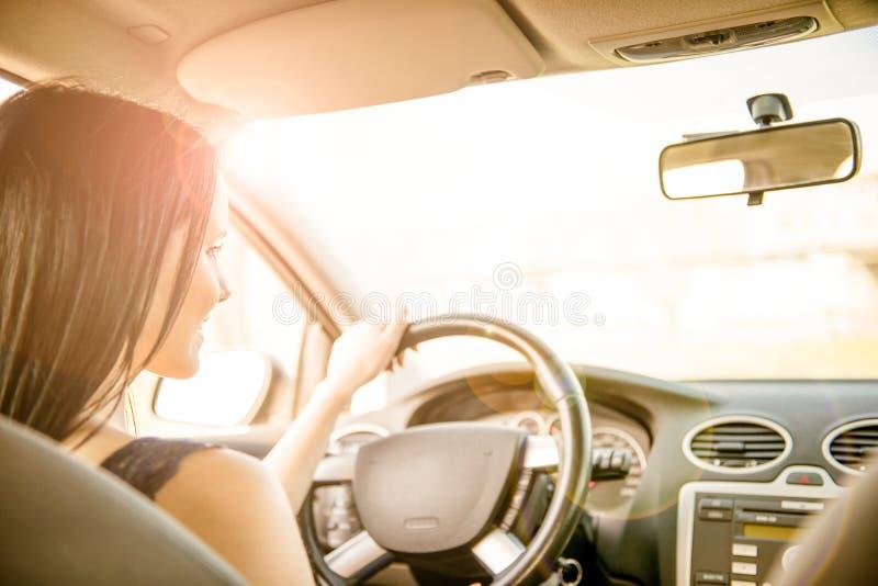 Conduzindo o carro imagem de stock royalty free