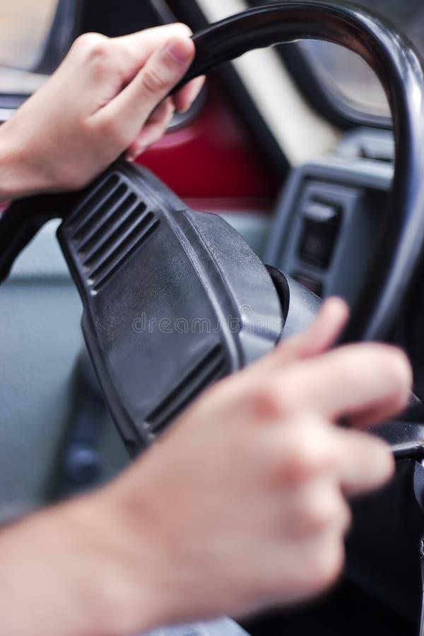 Conduzindo um carro foto de stock
