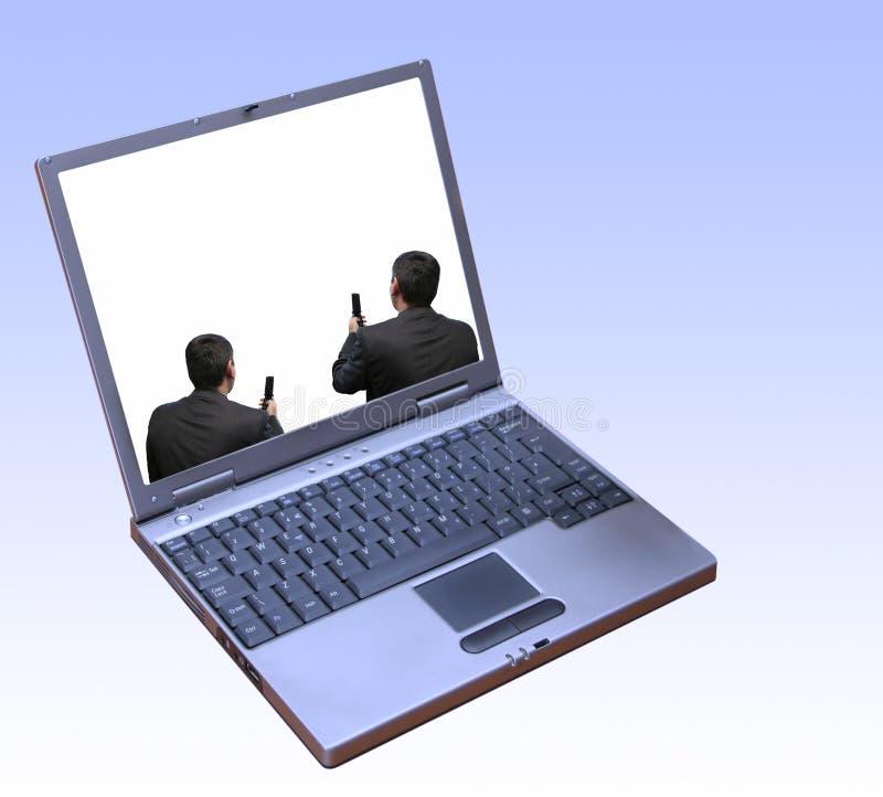 Conectividad entre los hombres de negocios foto de archivo libre de regalías