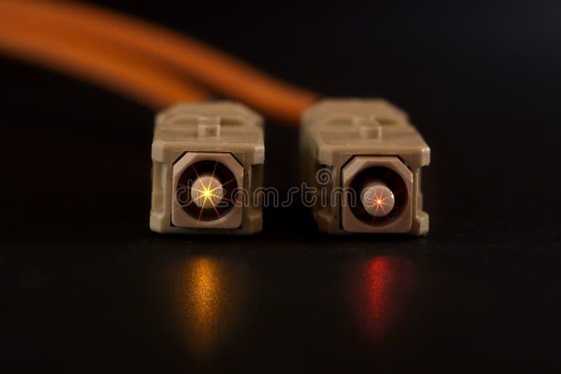 Conectores de la fibra que brillan intensamente fotografía de archivo libre de regalías