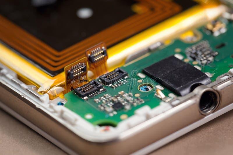 Conectores de la placa madre de Smartphone en macro fotografía de archivo