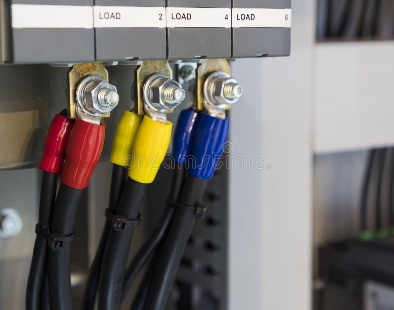 conectores del alambre en el panel de control  imagen de archivo libre de regalías