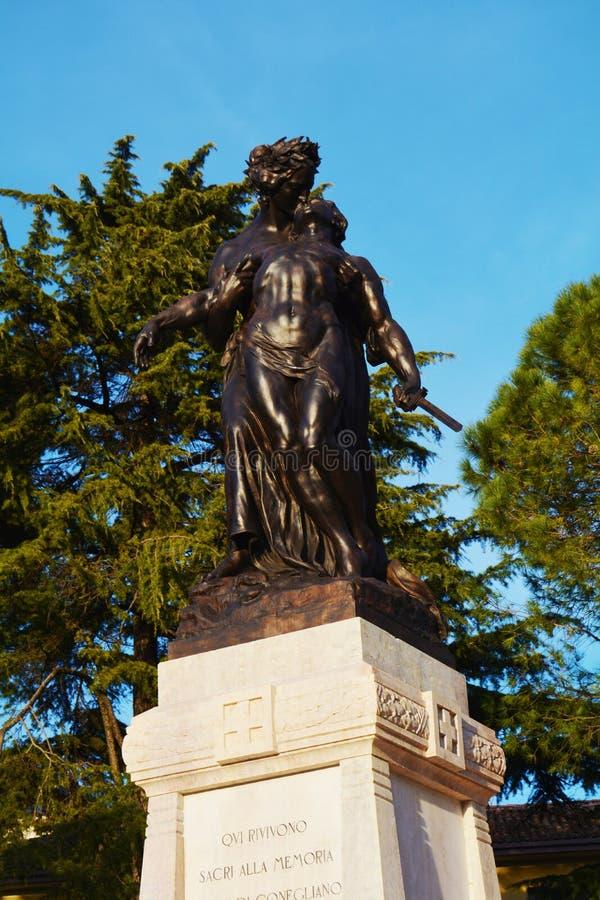 Conegliano, estatuas conmemorativas imagen de archivo
