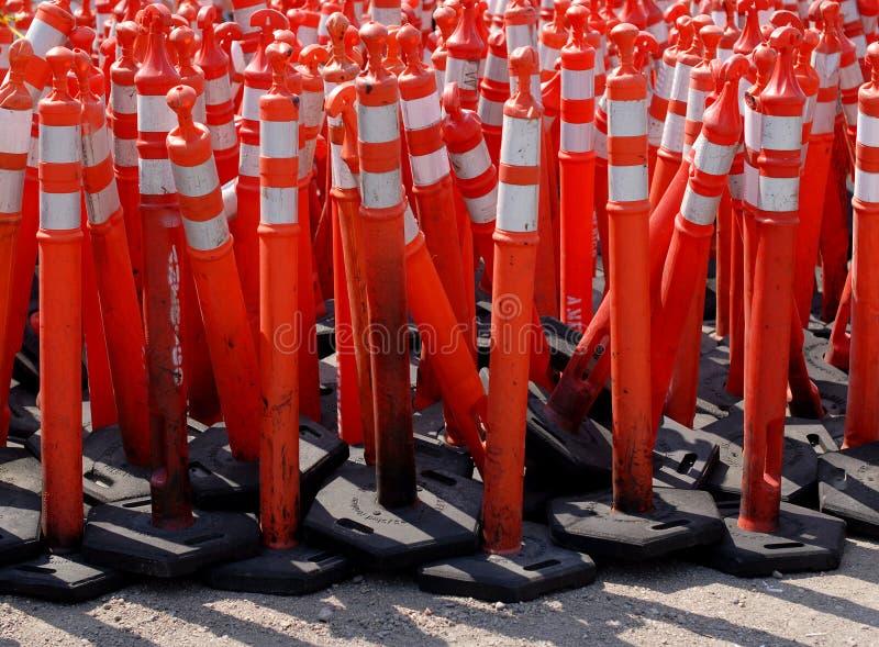 Cones de advertência da estrada fotografia de stock royalty free