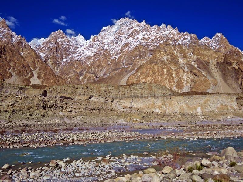 cones famosos de Passu, estrada de Karakoram, Paquistão do norte fotografia de stock