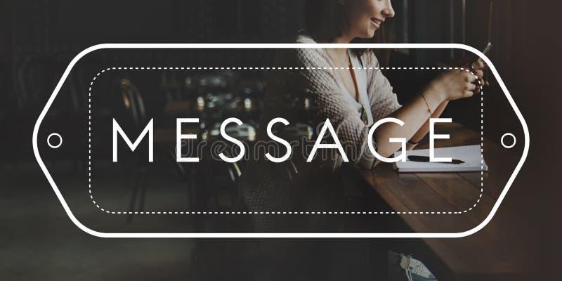 A conexão de uma comunicação socializa o conceito dos amigos da mensagem fotos de stock