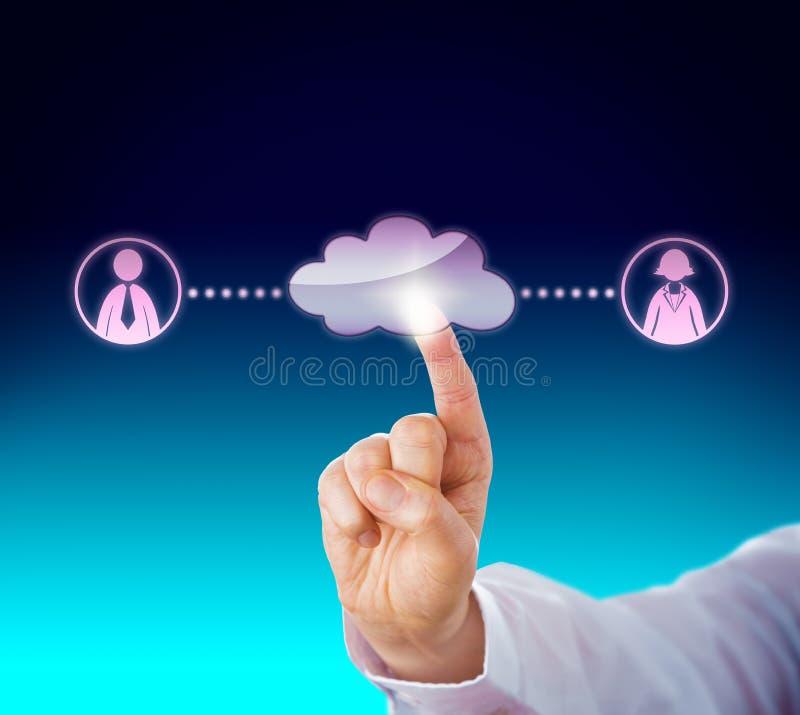 Conexión de un varón y de Peer In The Cloud femenino stock de ilustración