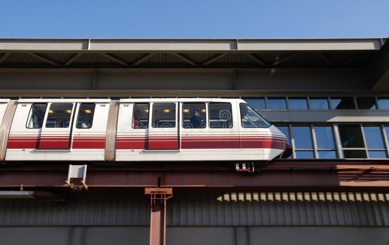 Conexión del tren del aeropuerto fotos de archivo