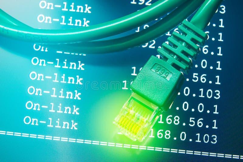 Conexión a internet con el fondo del enrutamiento de IP imagenes de archivo