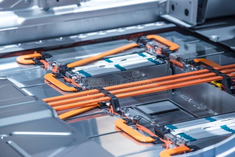 Conexiones de la batería y de poder del litio del coche eléctrico Azul entonado imagen de archivo