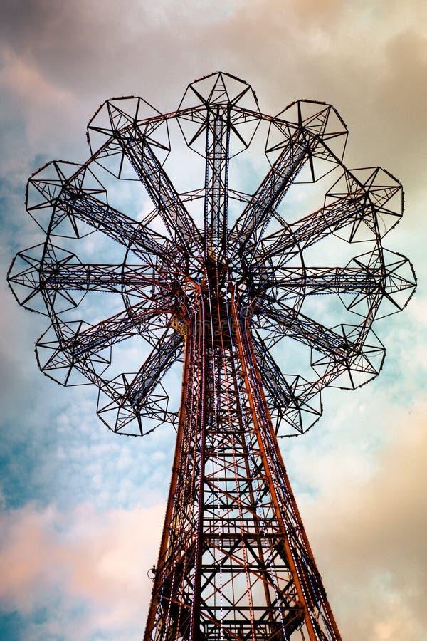 Coney Island άλματος αλεξίπτωτων στοκ φωτογραφία με δικαίωμα ελεύθερης χρήσης