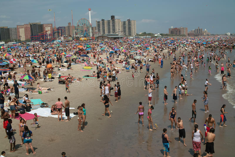 Download Coney Island Beach Weekend NYC USA Editorial Photo - Image: 20237546