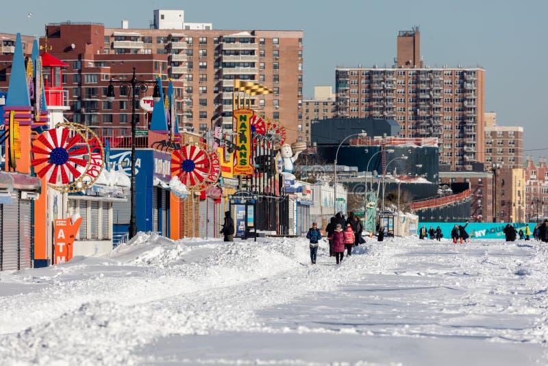 Download Coney Island, Brooklyn, New York Imagem de Stock Editorial - Imagem de storefronts, povos: 65581004