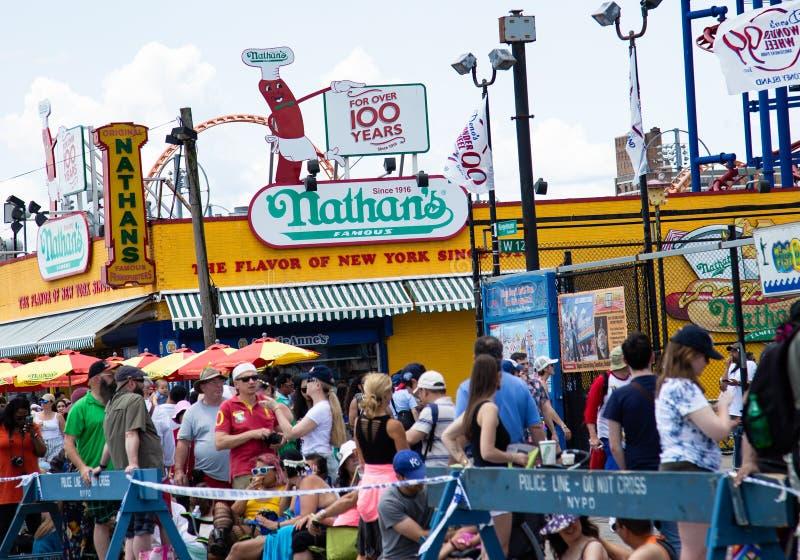 Coney Island, Brooklyn, New York, le 22 juin 2019 : Défilé annuel de sirène image libre de droits