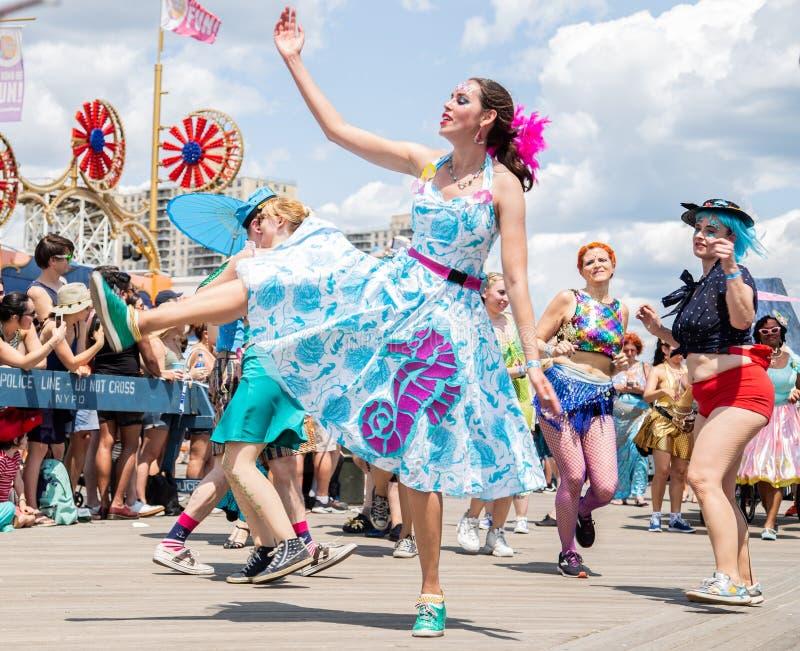 Coney Island, Brooklyn, Nowy Jork, Czerwiec 22, 2019: Roczna syrenki parada zdjęcie royalty free