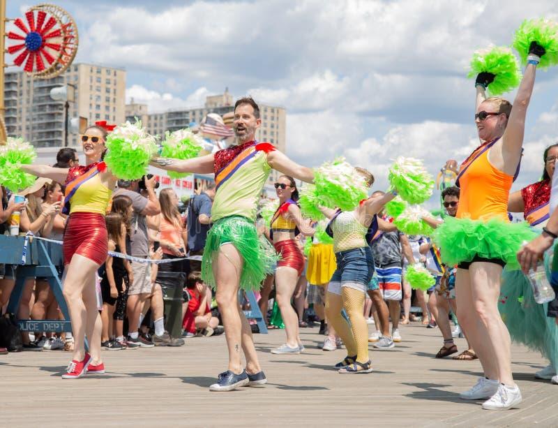 Coney Island, Brooklyn, Nowy Jork, Czerwiec 22, 2019: Roczna syrenki parada fotografia stock