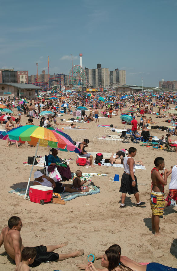 Download Coney Island Holiday Beach Weekend NYC USA Editorial Stock Image - Image: 20240084