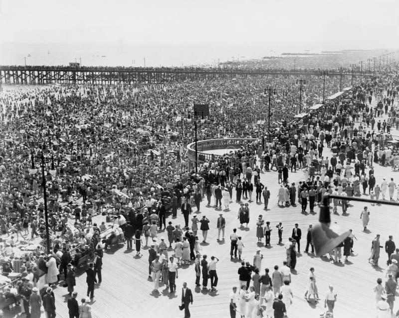 Coney Island NY, på Juli 4, 1936 (alla visade personer inte är längre uppehälle, och inget gods finns Leverantörgarantier som the arkivfoton