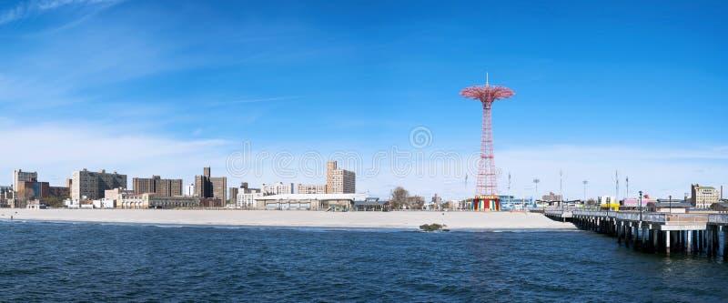 Coney Island-Strandpanorama, de Stad van Brooklyn, New York stock afbeelding