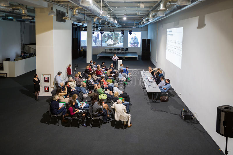 Conférence de presse ouvrant Art Moscow dans la Chambre centrale des artistes photos stock