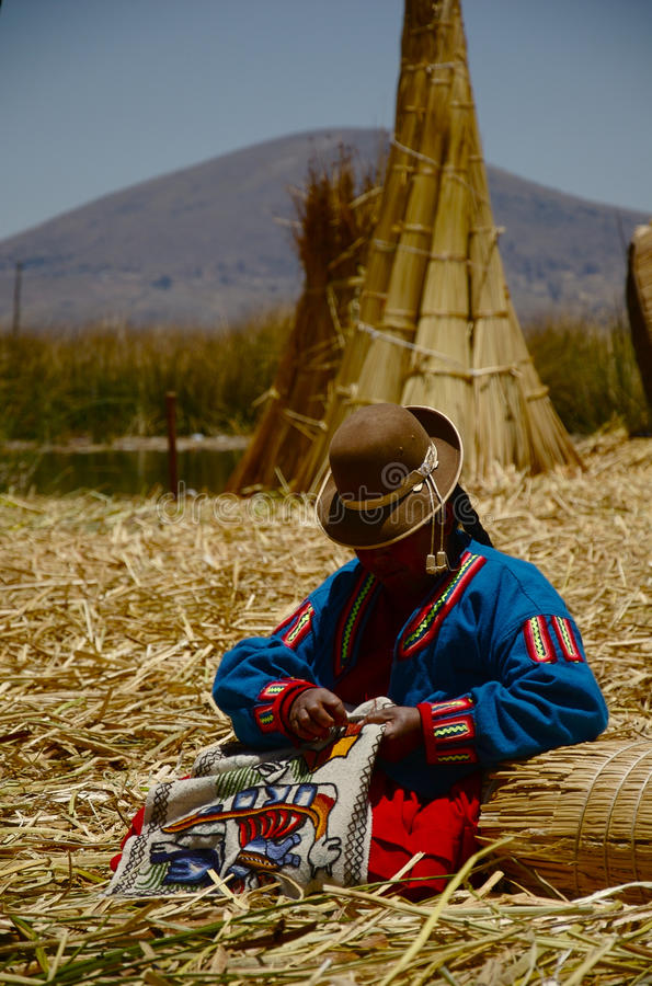 Confecção de malhas peruana da mulher fotografia de stock royalty free