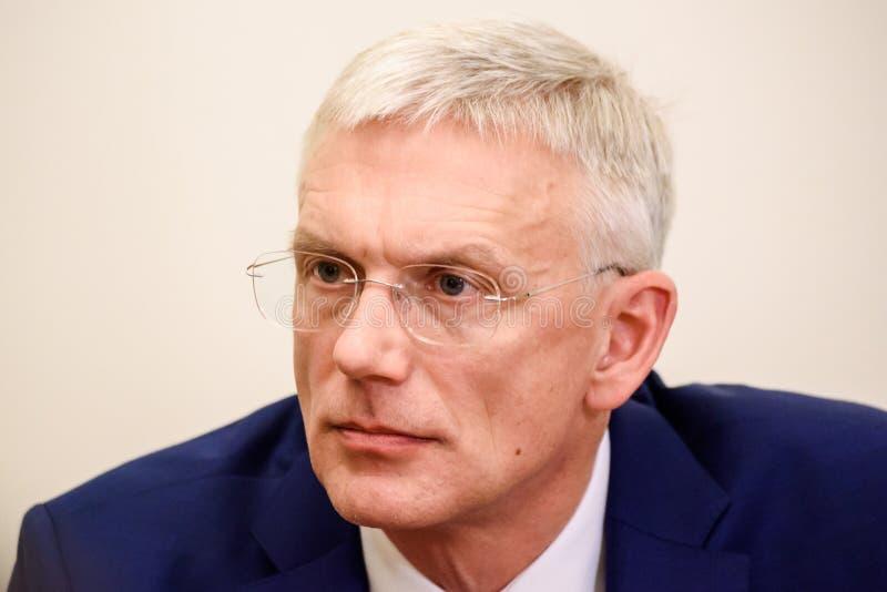 Conferência de imprensa do primeiro ministro novo de Letónia, Arturs Krisjanis Karins foto de stock royalty free