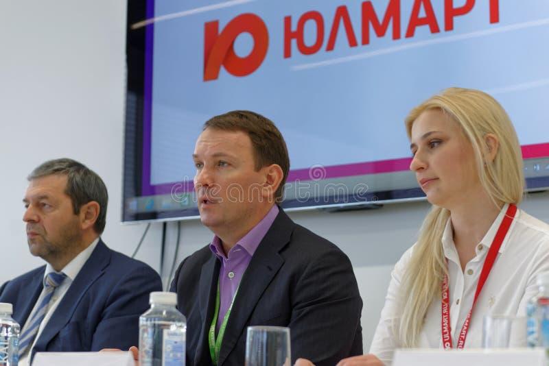 Conferência de imprensa na empresa de Ulmart foto de stock royalty free