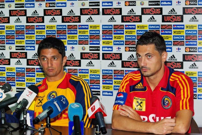 Conferência de imprensa - Razvan Lucescu e Mirel Radoi fotografia de stock