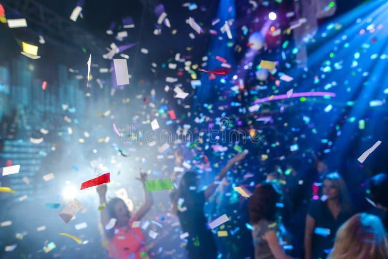 Confeti en un club nocturno fotografía de archivo libre de regalías