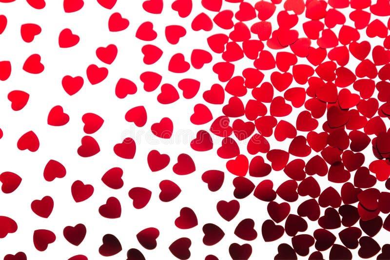 Confetti сердец декоративной картины дня ` s валентинки красный изолированный на белой предпосылке бесплатная иллюстрация