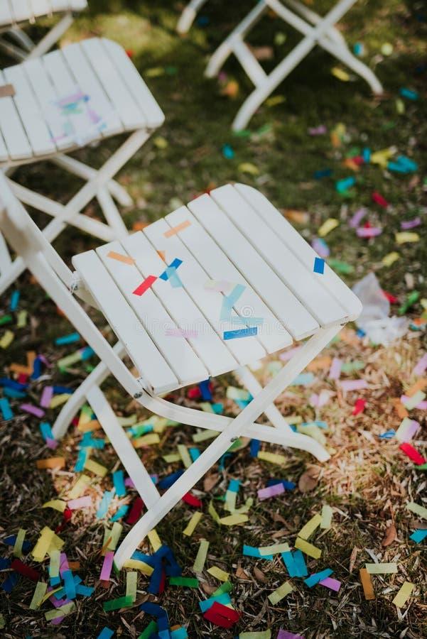 Confettien na het huwelijk stock foto