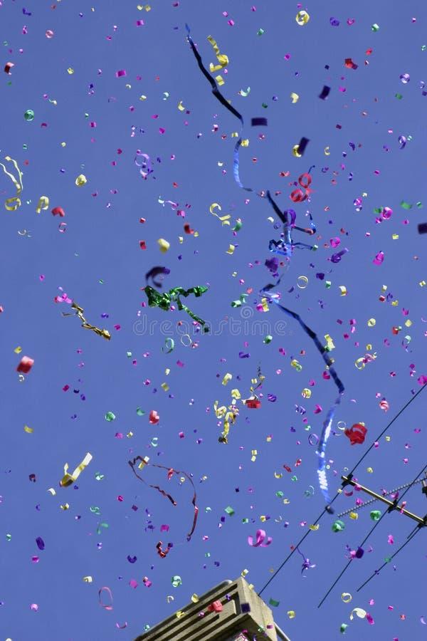 Download Confettis image stock. Image du vacances, animé, confettis - 73303
