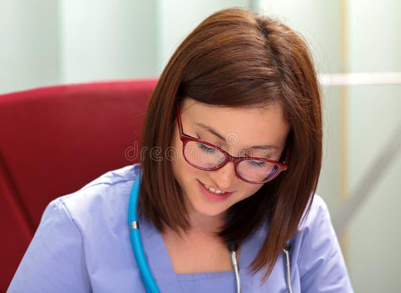 confident doctor female στοκ εικόνα