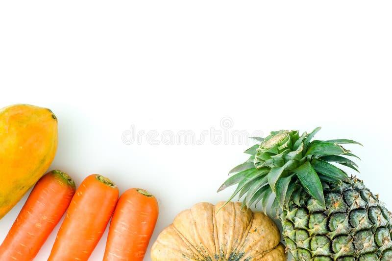 Configuração lisa Conceito do alimento Fruto fresco saudável dos frutos coloridos fotos de stock royalty free