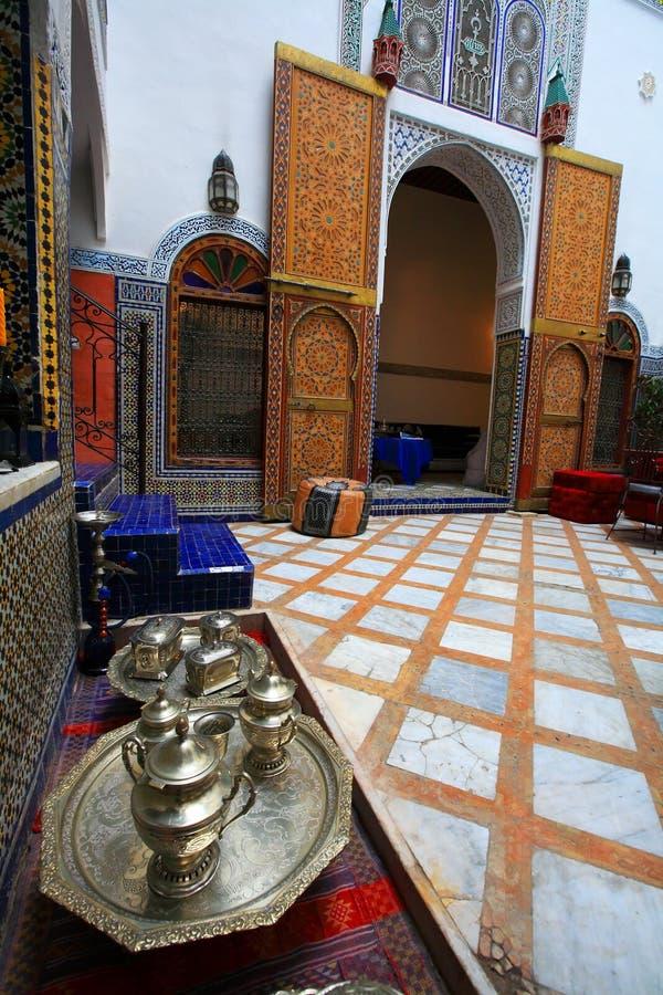 Configuración de interior marroquí fotos de archivo