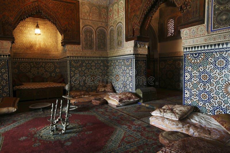 Configuración de interior marroquí fotografía de archivo