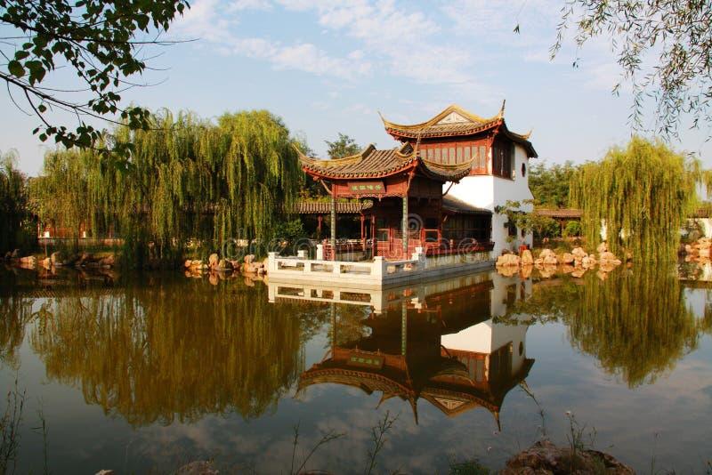 Configuración del jardín clásico chino foto de archivo