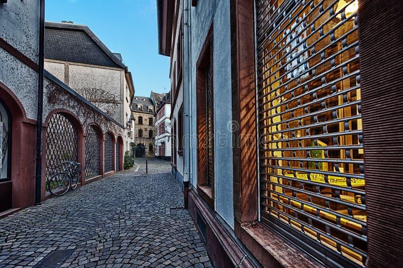 Configuración europea tradicional de la calle imagenes de archivo