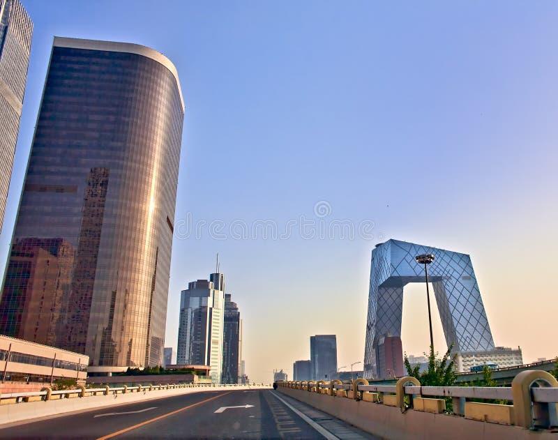 Configuración moderna de Pekín en la salida del sol imagen de archivo libre de regalías
