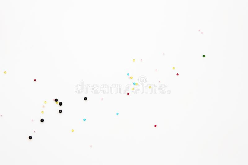 Configuration d'appartement avec les perles colorées de perler, moquerie, vue supérieure Petite maquette de perles de disposition illustration de vecteur