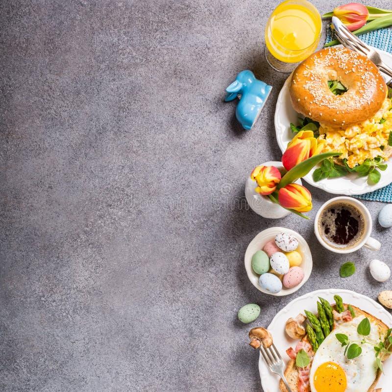 Configuration d'appartement de petit déjeuner de vacances de Pâques image stock
