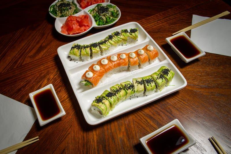 Configuration de table de maki&rolls de sushi image libre de droits