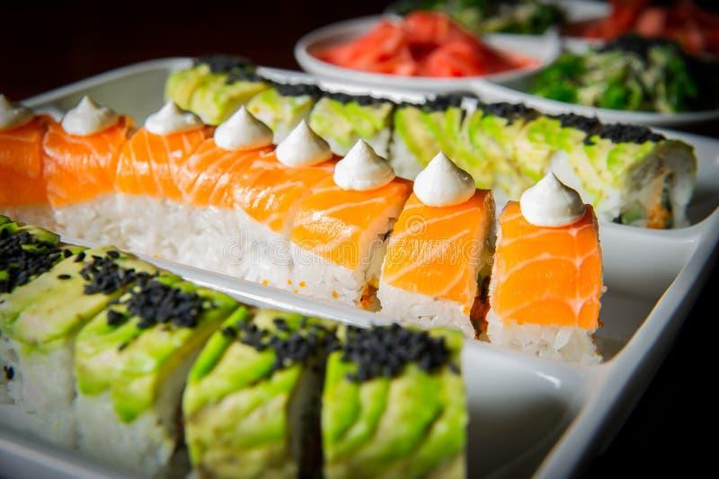 Configuration de table de roulis de sushi photographie stock libre de droits