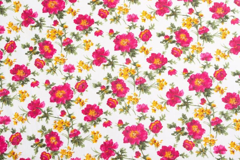 Configuration florale sur le tissu sans joint. Bouquet de fleur. photo stock